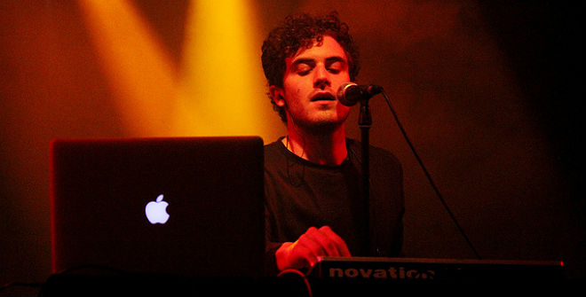 Photo of Nicolas Jaar (Apolo, Barcelona, 16-09-2012)