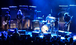 Dinosaur Jr celebró el aniversario de You're Living All Over Me con invitados