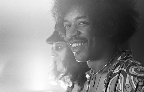 Photo of Ya puedes ver Hear my train comin´, el documental sobre Jimi Hendrix