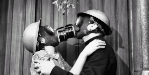 Gas Mask Kiss London December 1940