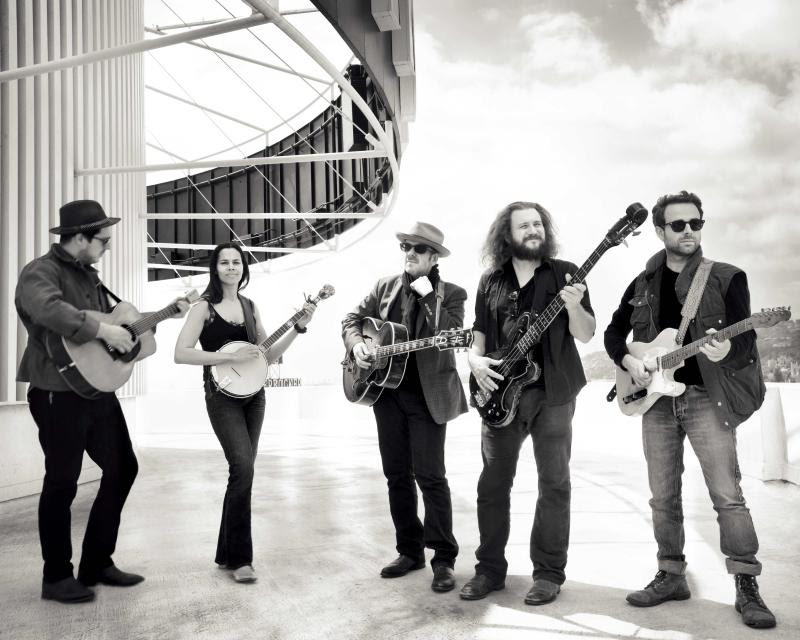 Photo of Jim James, Marcus Mumford y Elvis Costello ponen música a letras perdidas de Dylan