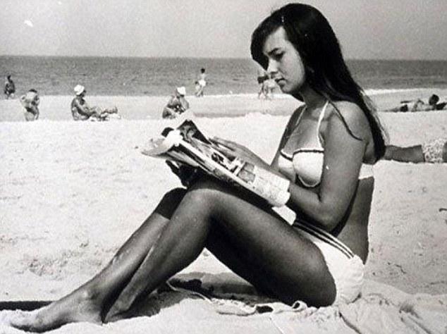 Photo of La Chica de Ipanema cumple 50 años