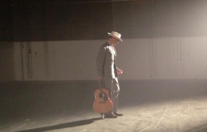 Tom Hiddelston como Hank Williams
