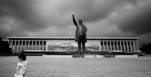 north-korea-statues-pyongyang