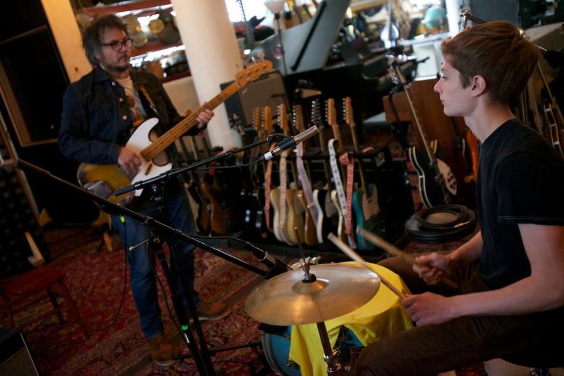 Photo of El debut de Tweedy: Jeff Tweedy y su hijo Spencer