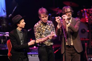 Beck, Alex Kapranos y Jarvis Cocker