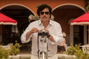 Benicio-Del-Toro-as-Pablo-Escobar