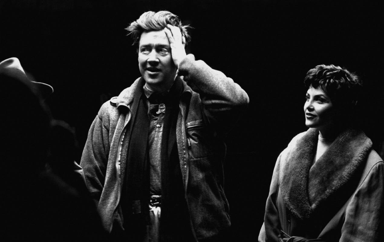 Photo of David Lynch confirma su participación en Twin Peaks