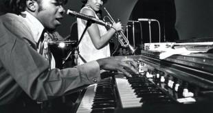 1377410765Sly-and-Cynthia-Robinson-1967-Vernon-L.-Smith-580x451