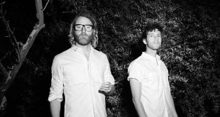 [Reseña] EL VY – Return to the Moon