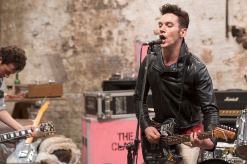Photo of Primera imagen de Jonathan Rhys Meyers como Joe Strummer