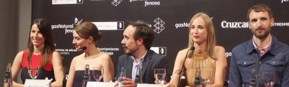 """Bárbara Goenaga, María Valverde, Koldo Serra, Ingrid García Jonsson y Julián Villagrán durante la rueda de prensa de """"Guernika"""""""