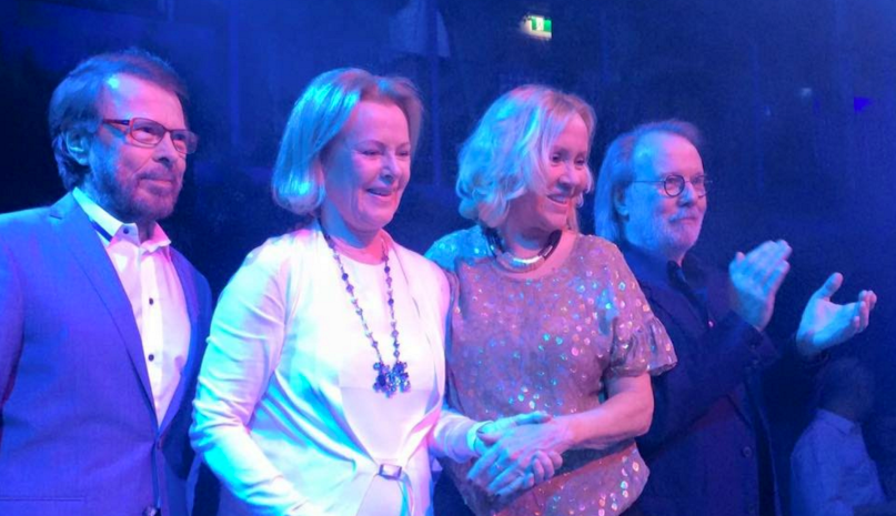 Photo of ABBA actuó por primera vez en 30 años
