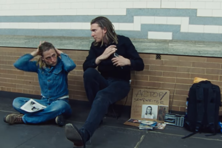 Photo of Alex Cameron – Stranger's kiss (feat. Angel Olsen)