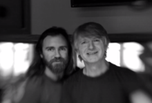 Photo of Neil Finn y su hijo Liam publican disco conjunto