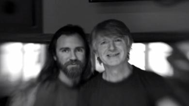 Photo of Neil Finn y su hijo Liam publican disco conjunto