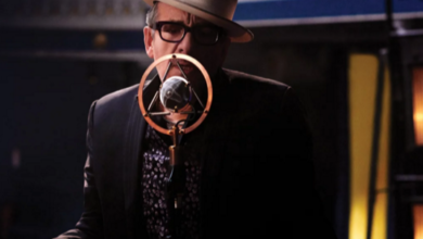 Photo of Elvis Costello publica su primer álbum con The Imposters en una década