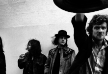 Photo of The Raconteurs publicarán su primer álbum en una década en 2019