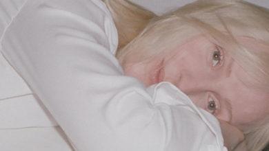 Photo of Laura Marling adelanta la publicación de su nuevo álbum